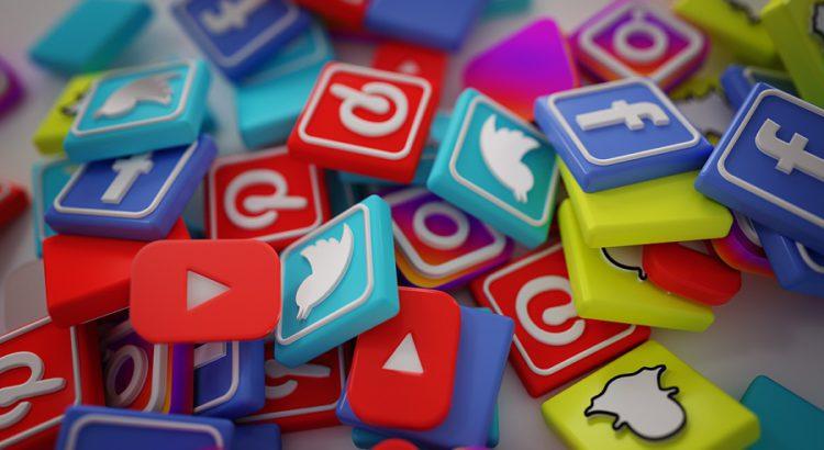 autores, redes sociales, usuarios, desventajas, trabajo creativo, página de autor,